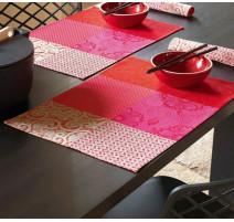 Set de table Fleur de Kyoto Cerise, Le jacquard Français