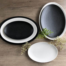 Plat ovale noir Caviar, Bruno Evrard